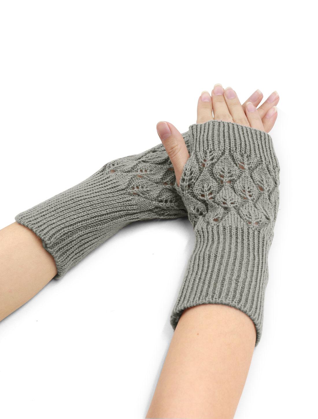 Women Wrist Length Leaves Design Knit Arm Warmers Pair Light Gray