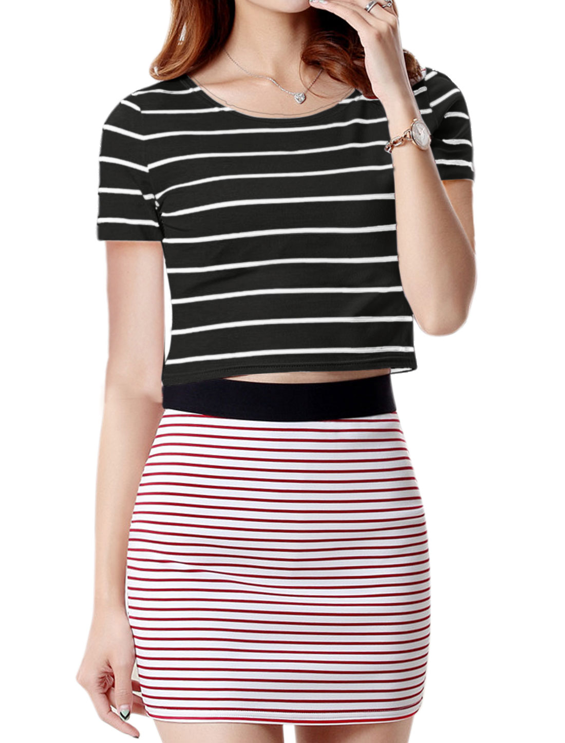Ladies Round Neck Short Sleeves Stripes Slim Fit Crop Top Black S