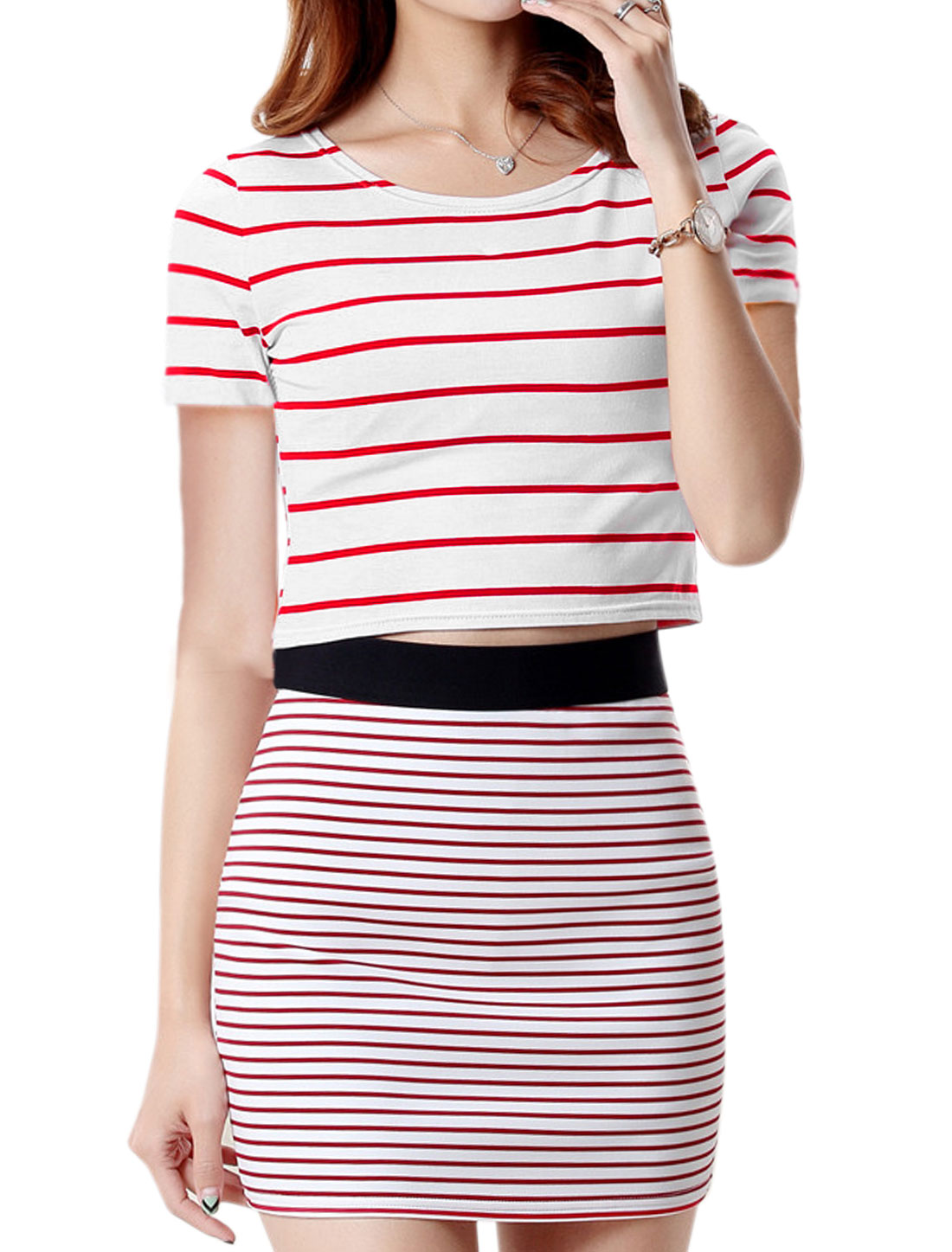 Ladies Round Neck Short Sleeves Stripes Slim Fit Crop Top Red S