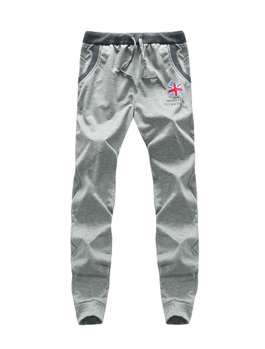 Men Flag Print Letters Drawstring Waist Sweatpants Light Gray W30