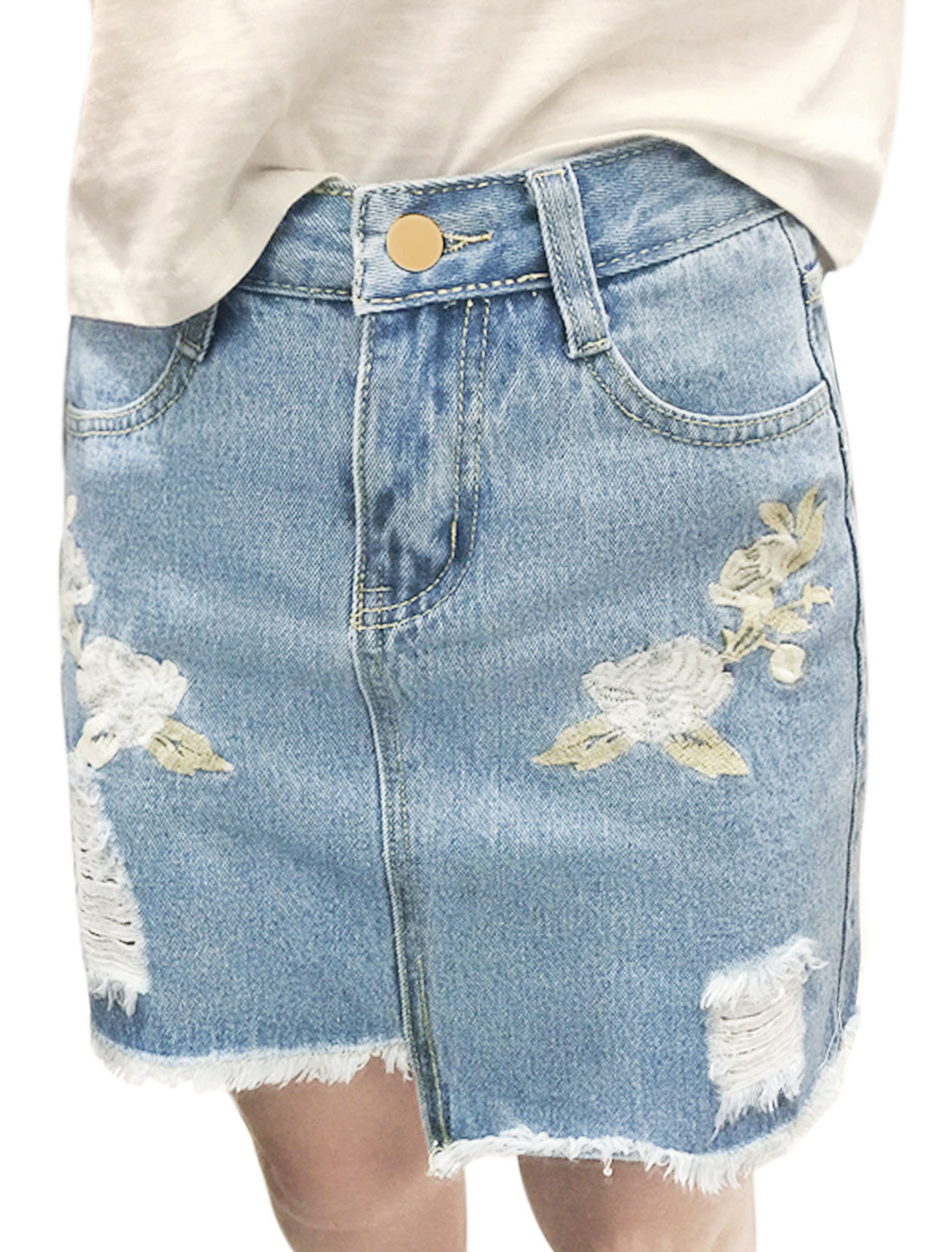 Women Floral Embroidery Destroyed Frayed Hem Denim A Line Skirt Blue M