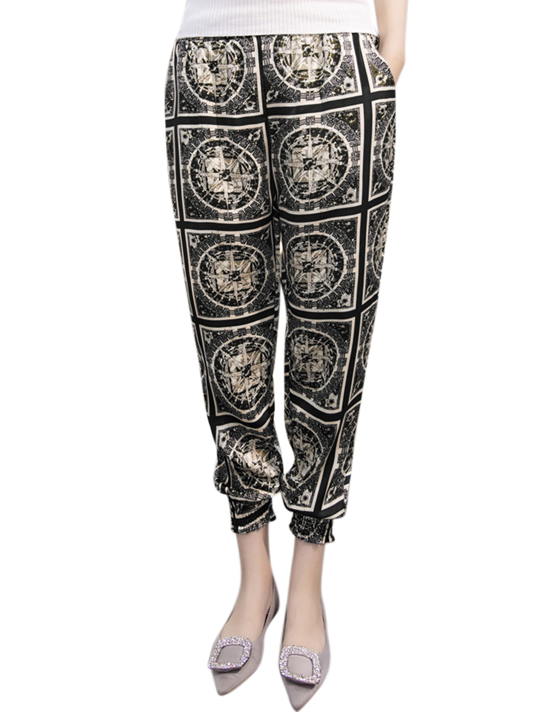Women Compass Prints Smocked Cuffs Cropped Pants Black M