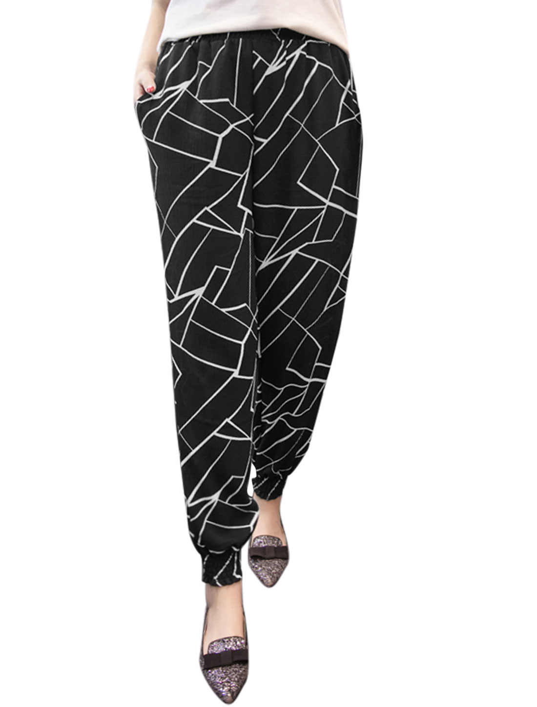 Women Elastic Waist Shattered Glass Prints Tapered Cropped Pants Black M