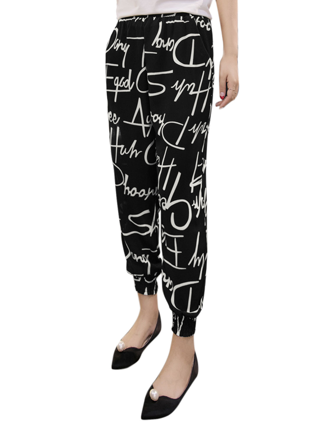 Women Elastic Waist Letter Prints Tapered Cropped Pants Black M