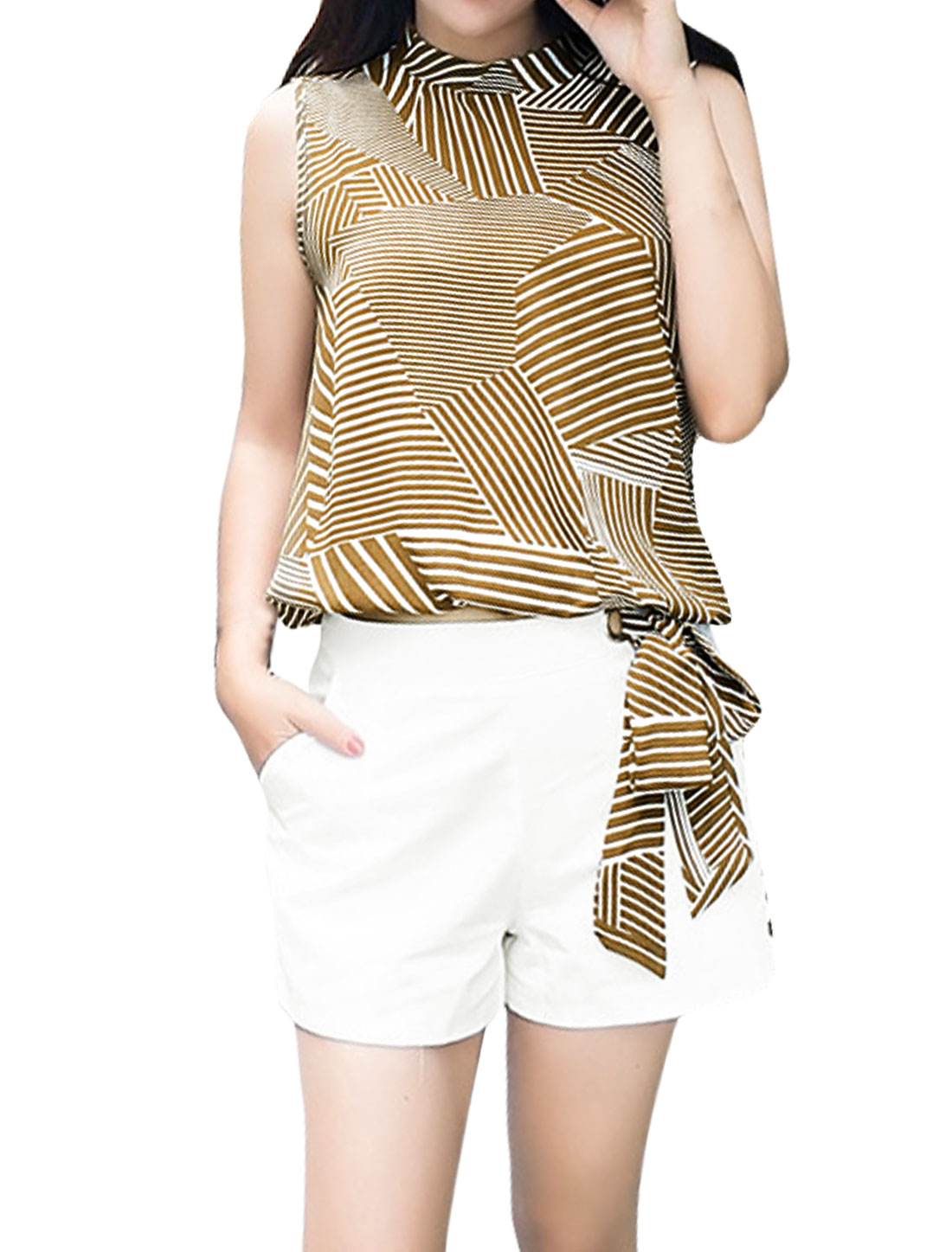 Women Stripes Self Tie Belt Top w Grommet Design Shorts Set Beige White M
