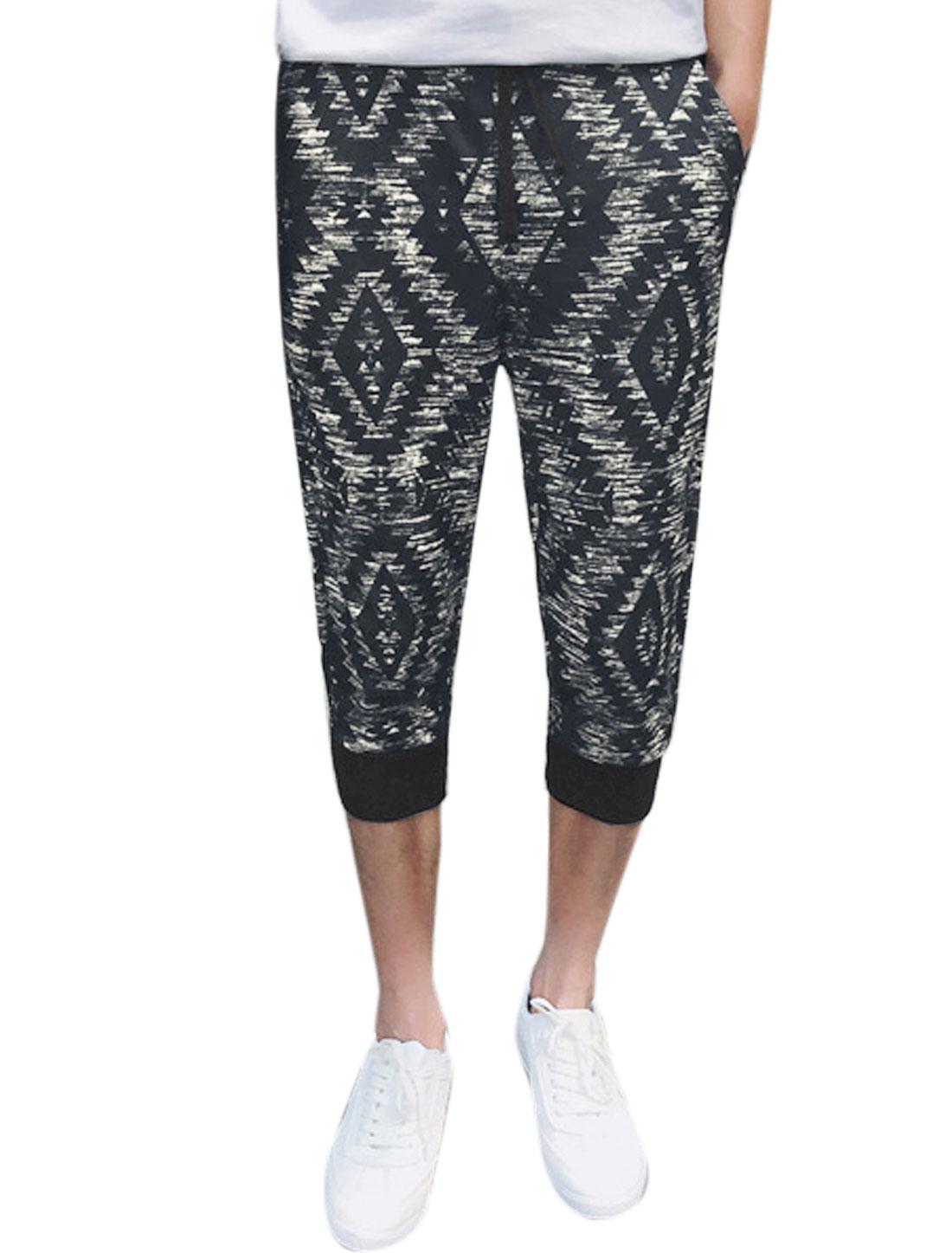 Men Zig-zag Geometric Prints Elastic Waist Capris Pants Black W30
